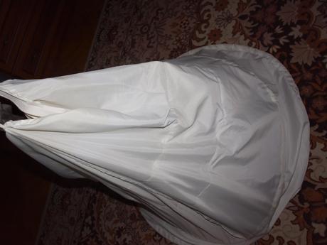 nádherné kvetinkové svadobné šaty, 38