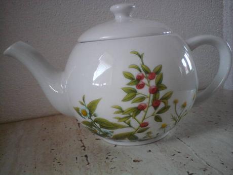 Porcelánový čajník,