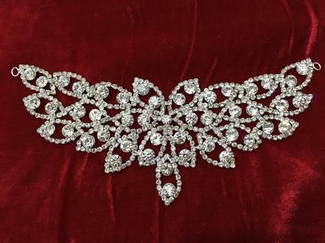 brošňa na svadobné šaty,