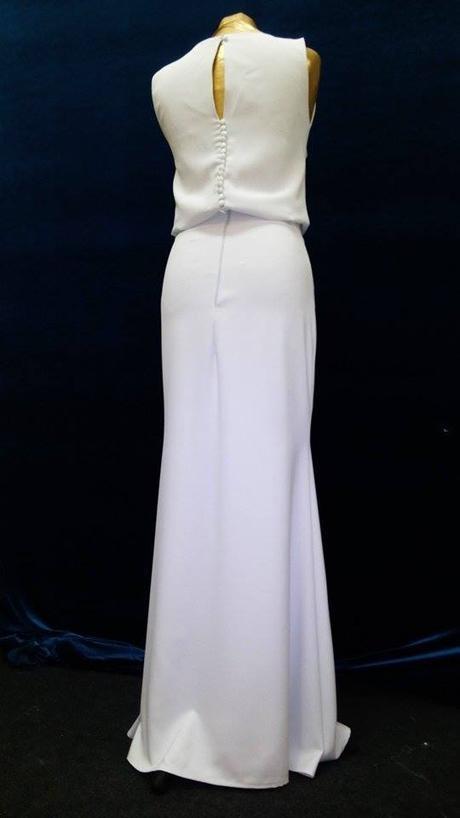 Jemné a decentné svadobné šaty, 38