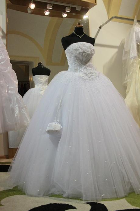 svadobné šaty ihneď k odberu. nenosené, nové, 38