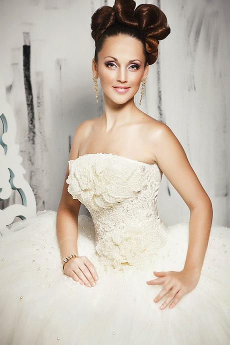 Svadobné šaty ihneď k odberu. nenosené nové ivory, 40