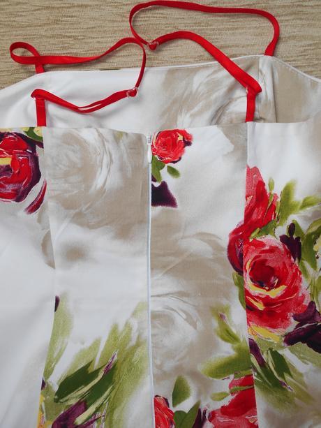 Šaty na príležitosť, talianska značka Rinascimento, 36