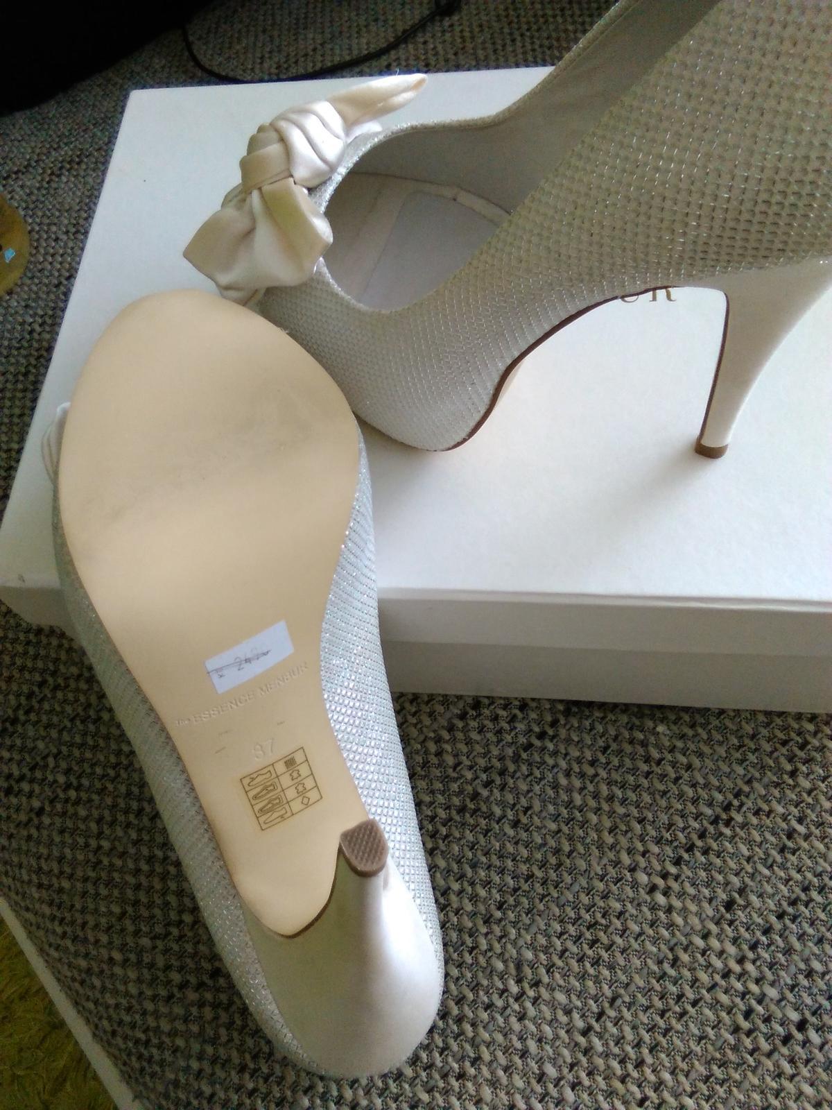 Svatební boty značky menbur f06413f99e
