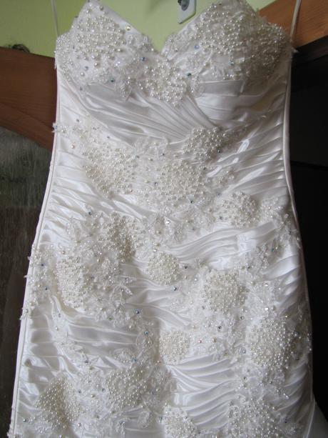 Svadobne šaty, 40