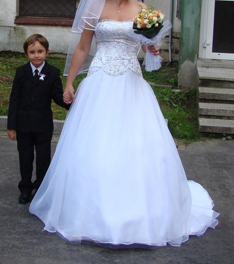svadobné šaty s vlečkou, 39