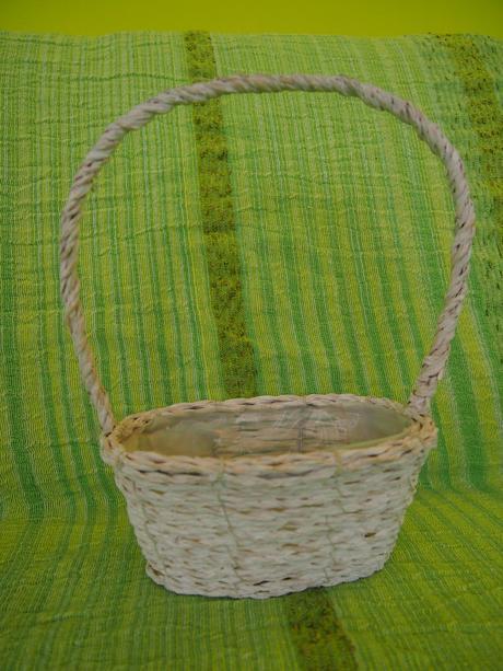 Proutěný dekorativní košík,