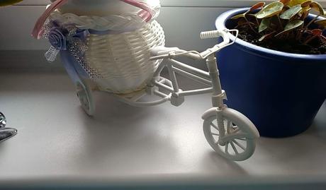 Stojan na kvety, vazu, sviecku, bicykel, trojkolka,