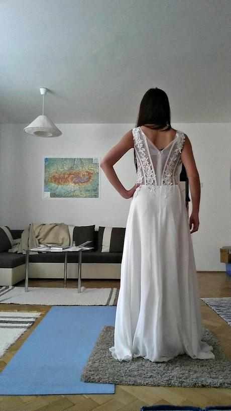 Svadobné, plesové alebo popolnočné biele dlhé šaty, 36