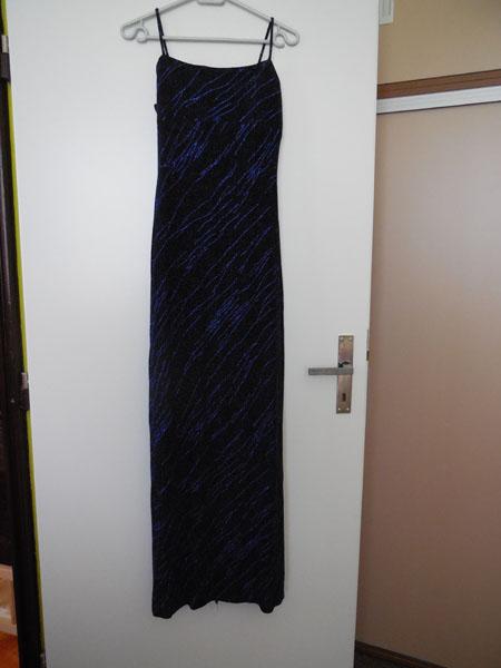 Plesové šaty černomodré, 38