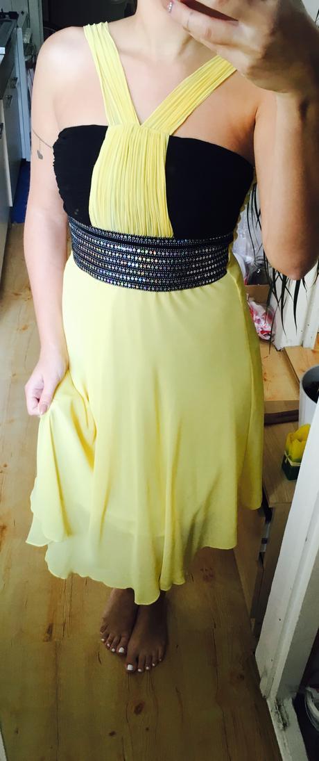 černo-žluté šaty společenské, 36