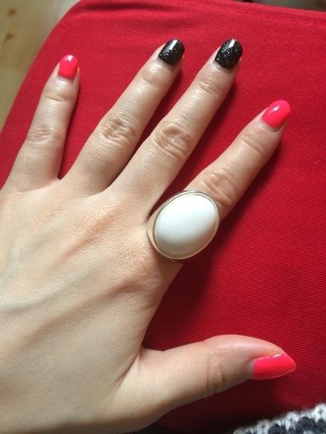 prsten s bílým kamenem k nákupu,