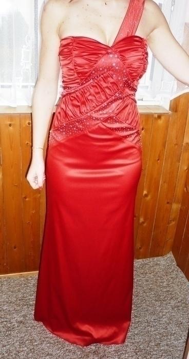 společenské červené šaty s kamínky, 32