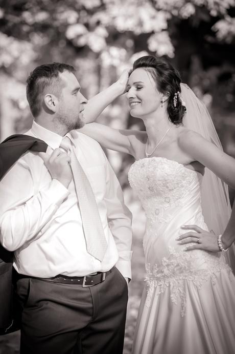 Saténové svatební šaty, 38