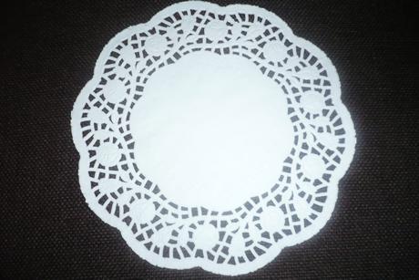 papírová krajka pod dorty průměr 18 cm,