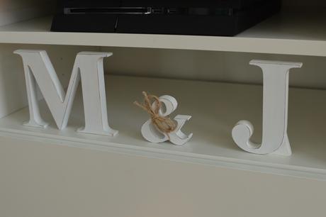 Dřevěné iniciály J & M,