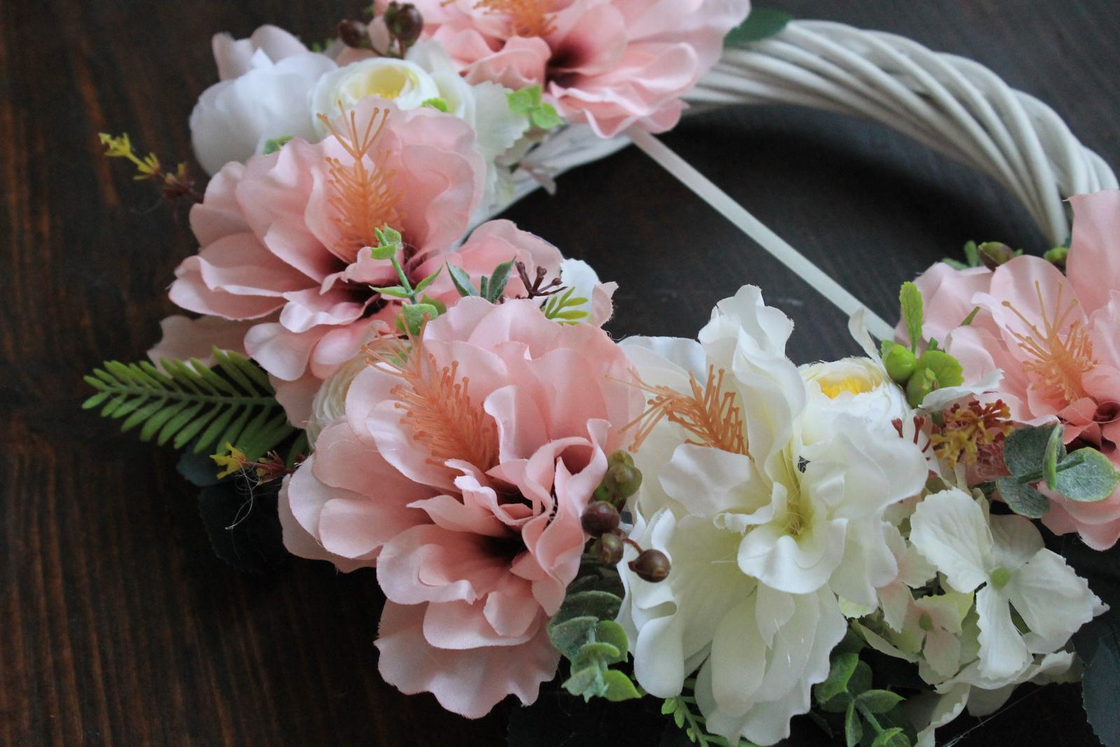 759f7270e754 Bielo ružový svadobný venček
