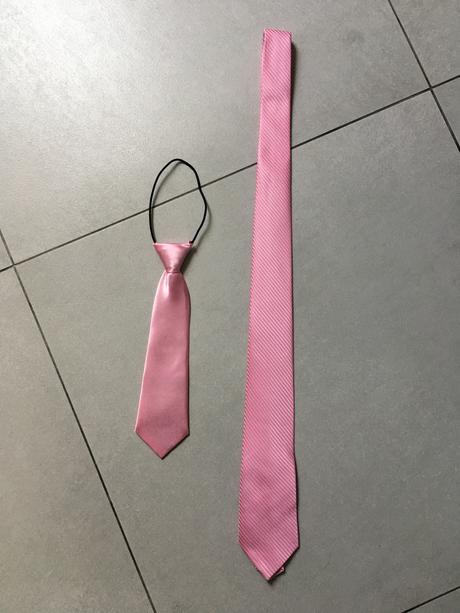 Růžová kravatka, 98