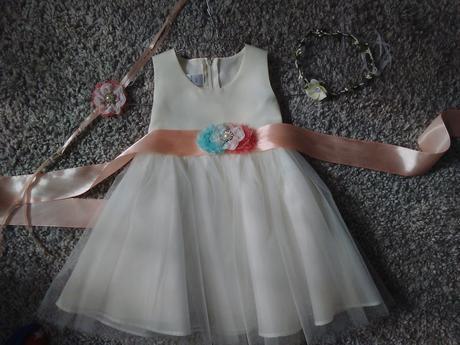 Saten. a tylové šaty,zdobené mašlí 80/86, 80