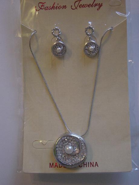 Náhrdelník a náušničky s perlou a kryštálmi,