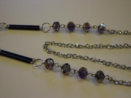Náhrdelník s fialovými kryštálmi,