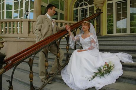 Kvalitný svadobný oblek, 50