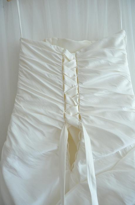 Svatební šaty s krajkou, 42