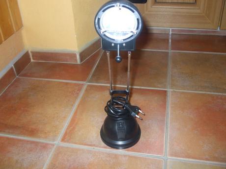 Stolová nočná lampa na diely,poštovné v cene,