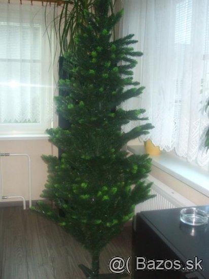 Vianočný stromček-2 m vysoký,