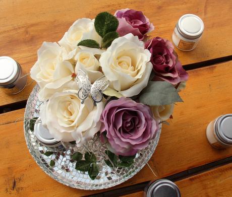 Kytice růží v kvěníku,