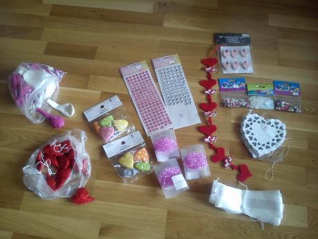 Výzdoba,dekorácie,srdcia,balóny,girlandy,konfety,
