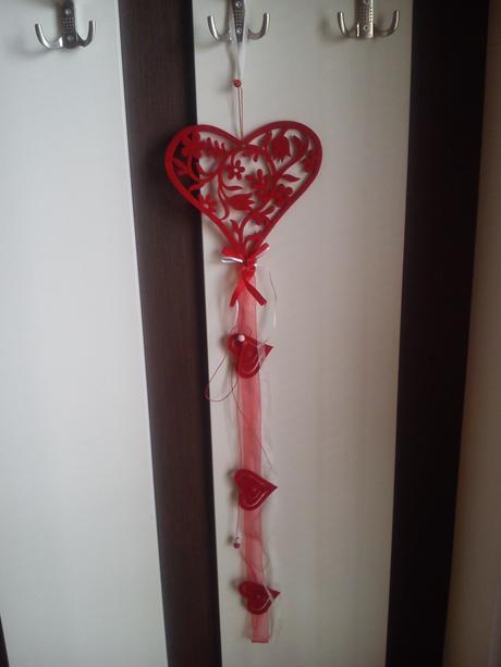 Výzdoba,dekorácie,srdcia,konfety,