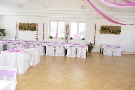 Kompletní dekorace sálu či restaurace,