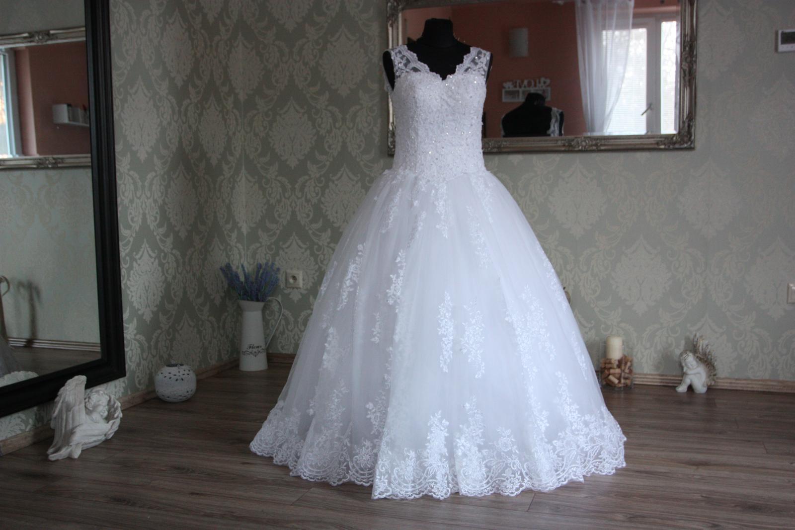 aeab16fe4b06 Svadobné   spoločenské šaty na mieru