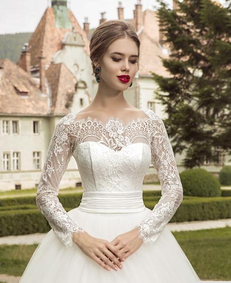 Svadobné šaty na mieru, 40
