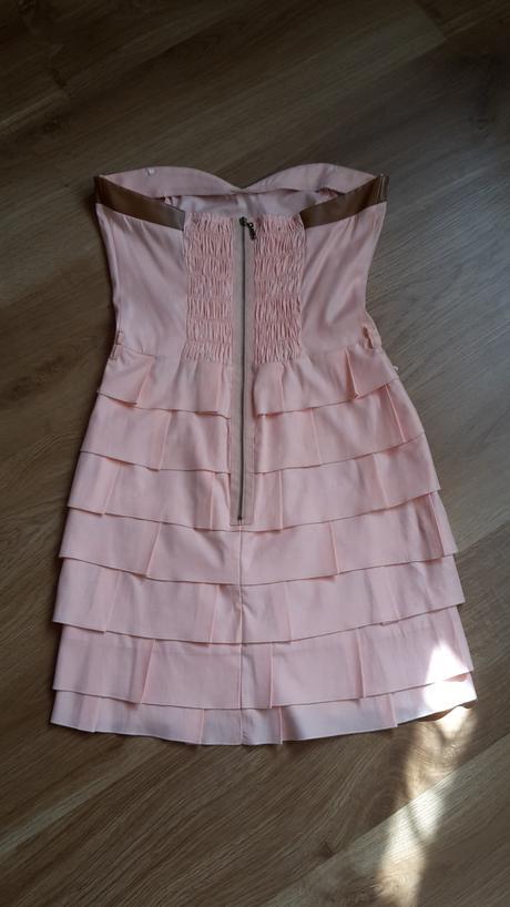 Krátke letné spoločenské šaty, 36