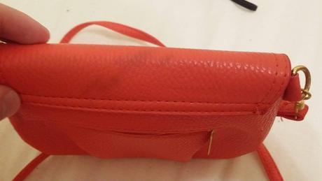 Ružová kabelka, S