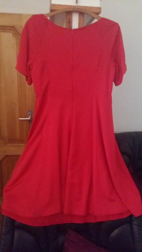 Červené mikrosaténové retro šaty zn. Mia Bella, 42