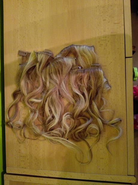 Přírodní příčesek (vlasy),