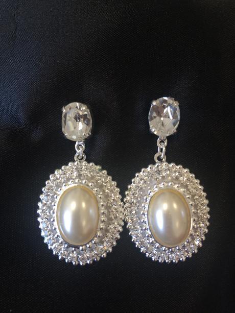 Elegantné náušnice s efektom perly,