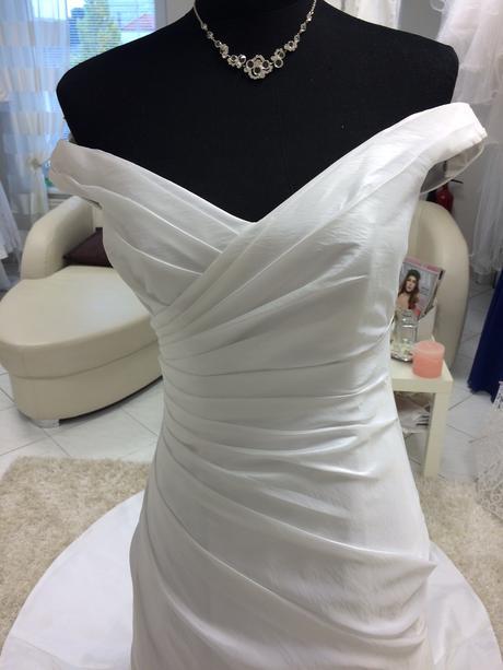 Svadobné šaty Alfred Angelo , 32