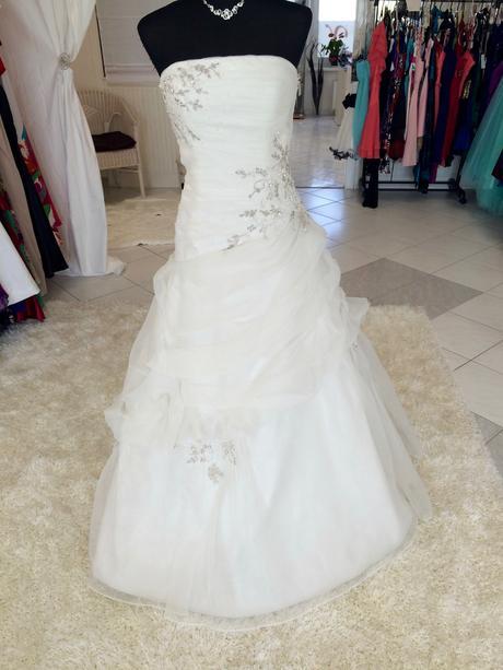 Svadobné šaty zn. Eddy K., 38
