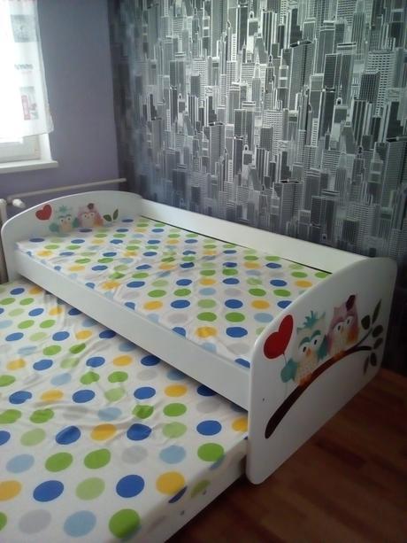 Biela postel s pristelkou a uloznym priestorom ,