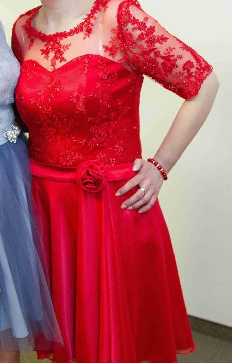Červené šaty krajkové - na redový, 42