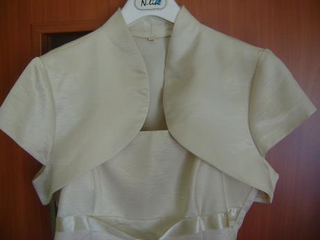 Šaty s bolerkom, 42