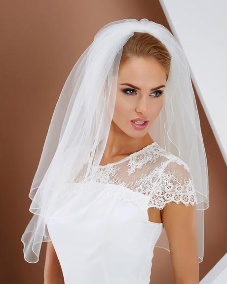 Ivory svadobný závoj,