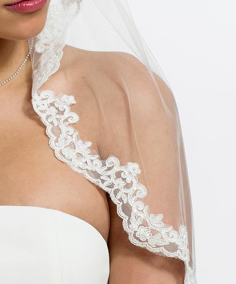 Španielsky svadobný závoj,