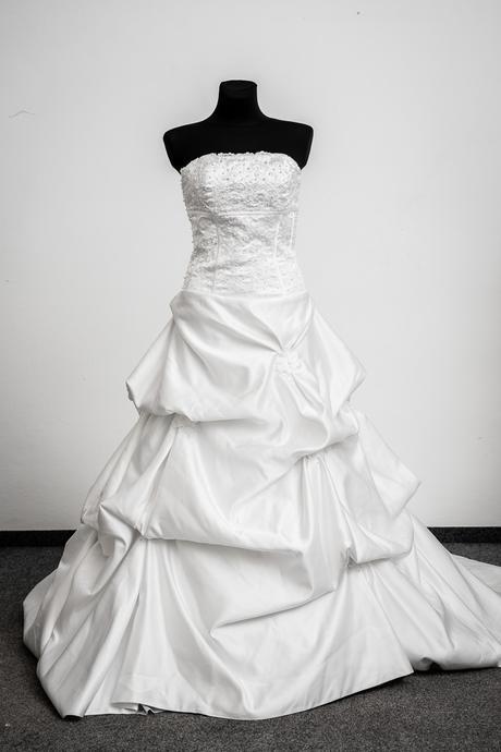 Svadobné šaty - výpredaj, 40
