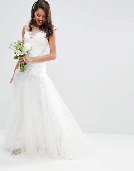 Tylové svadobné šaty, 36