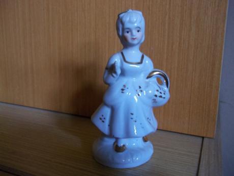 Porcelánová soška,